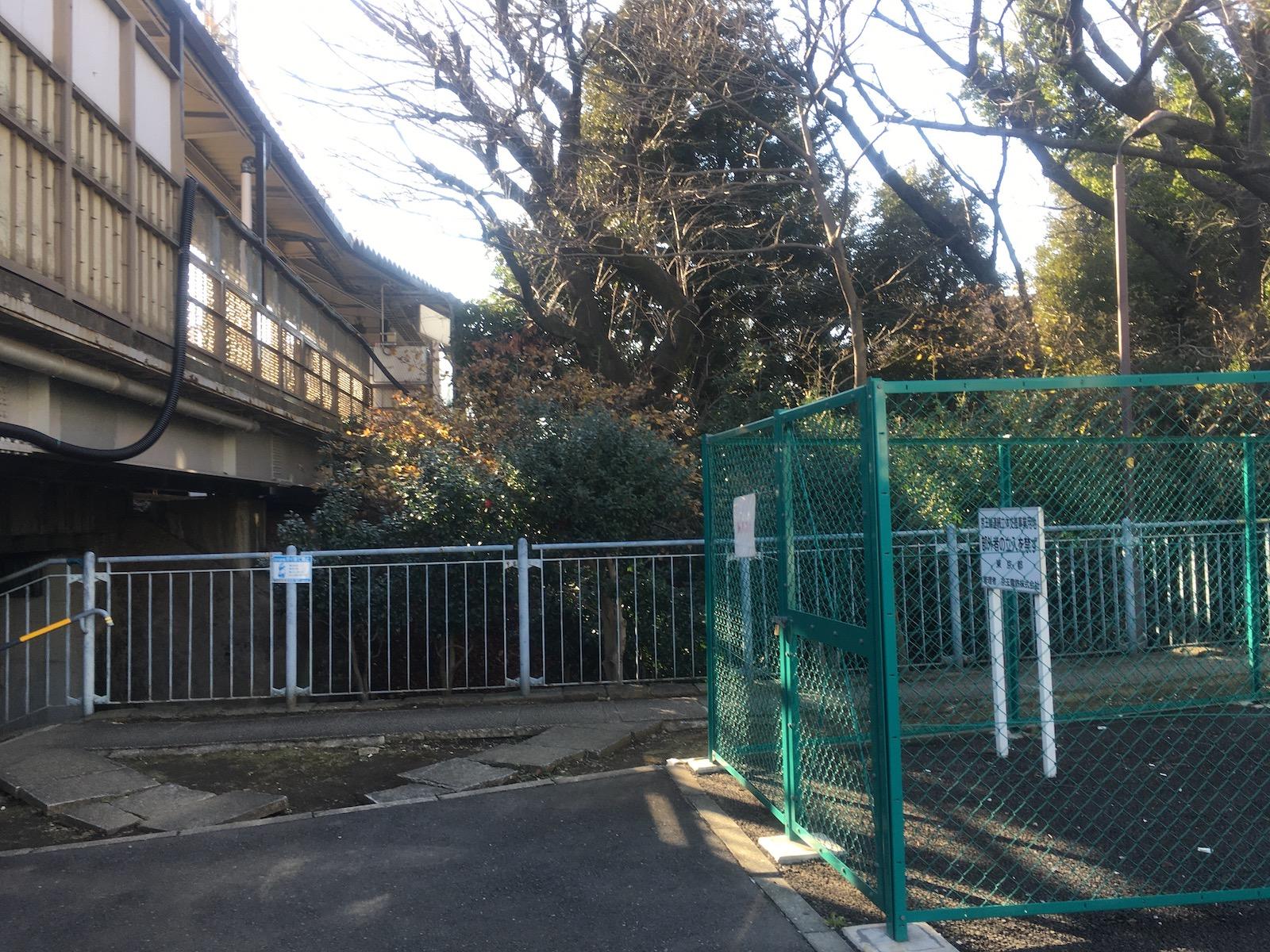 202001_代田橋駅と玉川上水